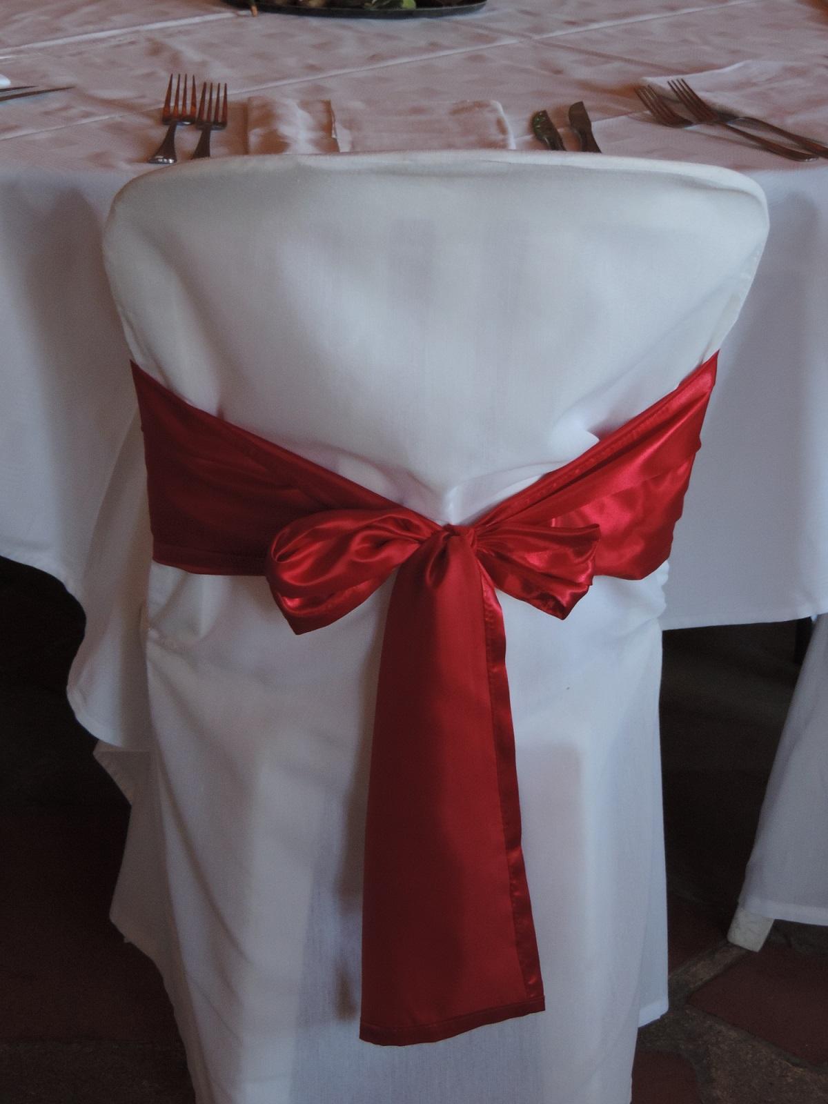 Les housses de sophie rouge - Housse de chaise rouge ...